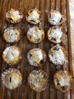 Mince pies pic.png