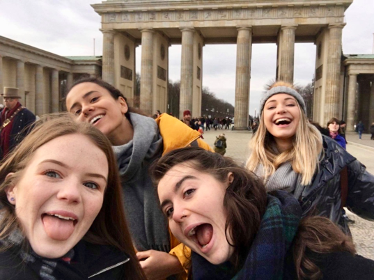 Forehead pic brandenbourg gate.png